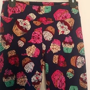 LULAROE BIRTHDAY  CUPCAKE LEGGINGS